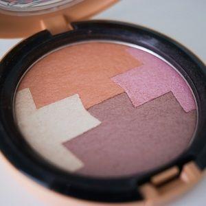 MAC Cosmetics Makeup - MAC Limited Edition Powder of Vibe Tribe